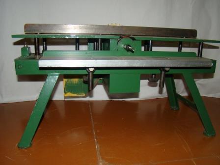 Модель деревообробатывающего станка